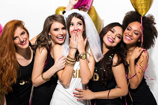Meglepetés lánybúcsú parti