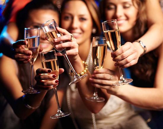 A hen party az esküvő előtt legalább 1 héttel legyen