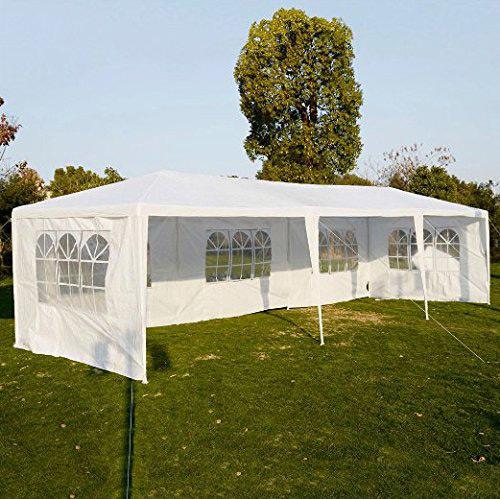 A kerti sátor véd a naptól és az esőtől is