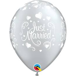11 inch-es Just Married Hearts Lufi (6 db/csomag)