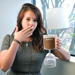 5 Előtt Kávés, 5 Után Boros Pohár