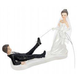 Esküvői Tortadísz - Vőlegényt Oltár Elé Vonszoló Menyasszony
