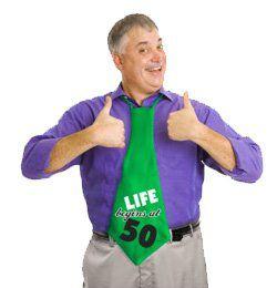 50-es Life Begins At 50 Feliratos Szülinapi Parti Nyakkendő