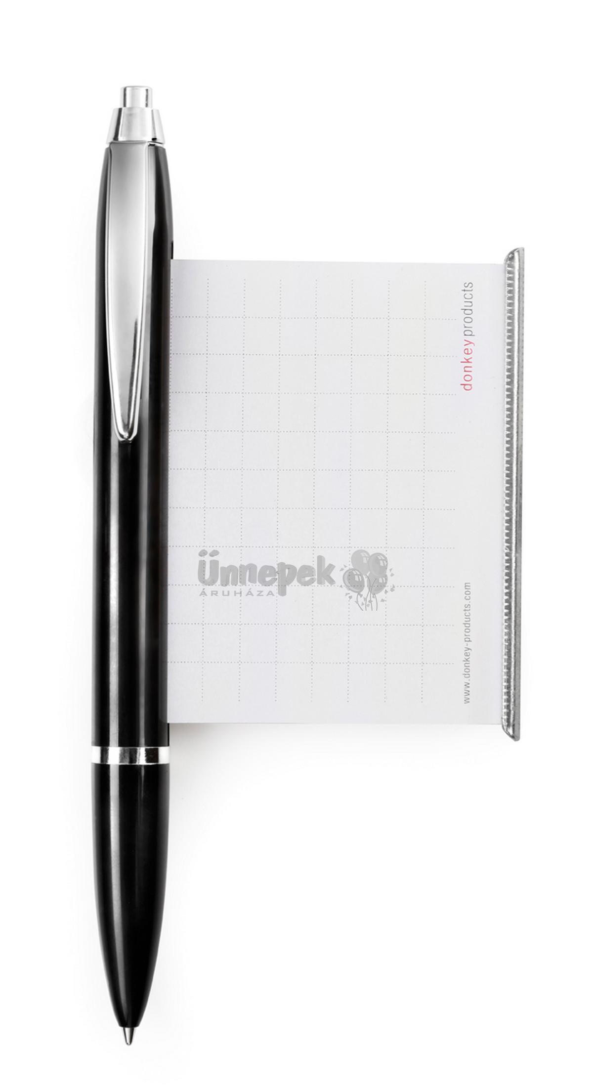 Nagy fekete toll
