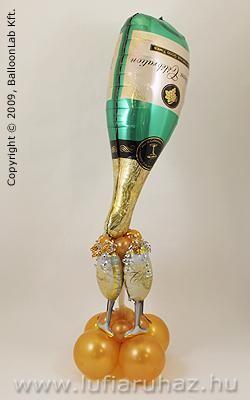 Champagne Bottle with Glasses Szilveszteri Lufi Dekoráció